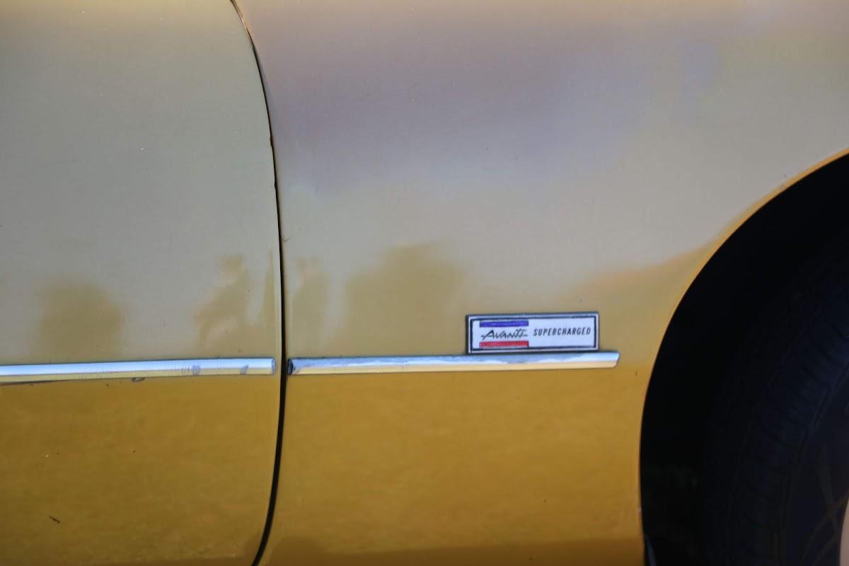 Studebaker Avanti (05).jpg