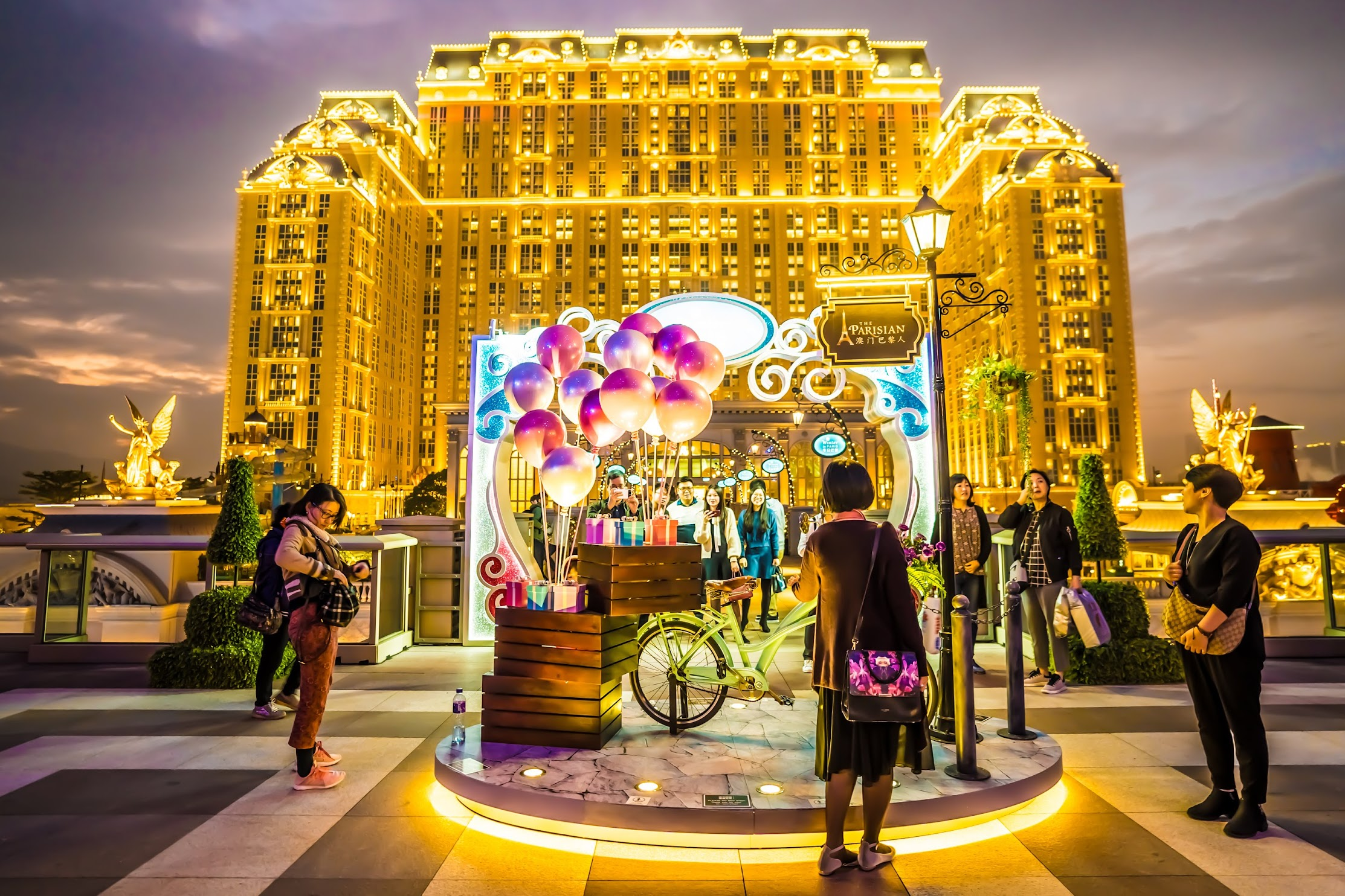 Parisian Macao light-up2