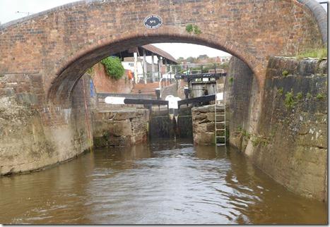 6 stourport bottom lock from severn