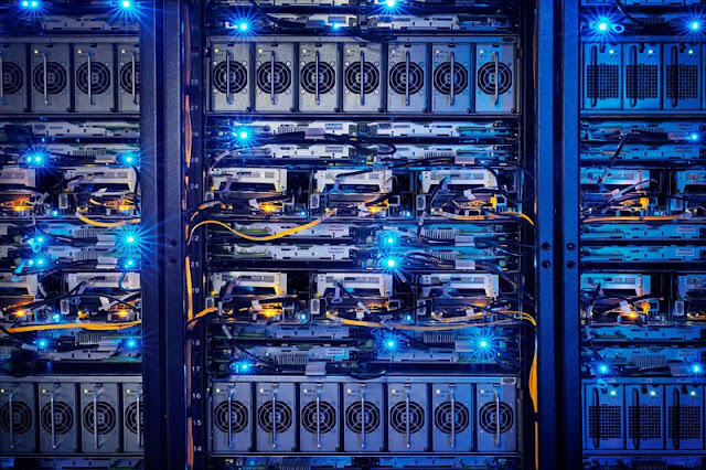 A Look Inside Facebook's Data Center : Where All Your Data Is Stored 23