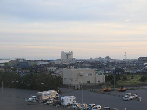 新日本海フェリー「らいらっく」 まもなく新潟港入港