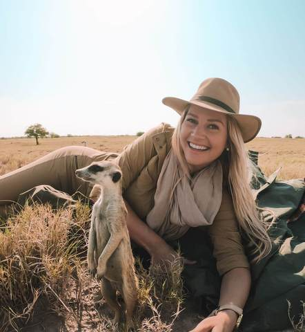 THE SPORTIVE WHAT TO WEAR ON SAFARI IN SOUTH AFRICA FOR WOMEN 3
