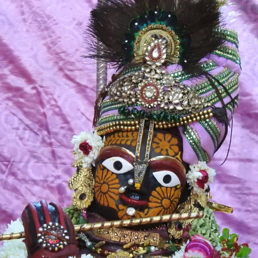 Radha Govind Devji Deity Darshan 20 Dec 2015 (1)