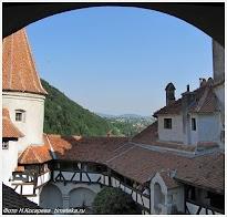 Вид на окрестности замка Бран. Румыния.