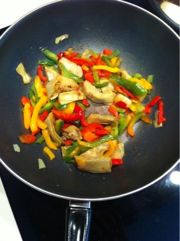 Recetas f ciles para cocinar con wok wok de alcachofas y - Cocinar con wok en vitroceramica ...