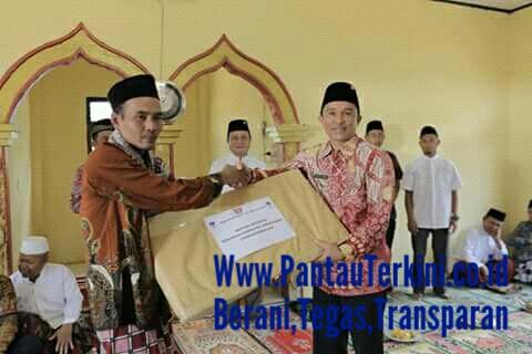 Bupati dan waklil Bupati Lampung barat melakukan safari jumat di kecamatan Air Hitam