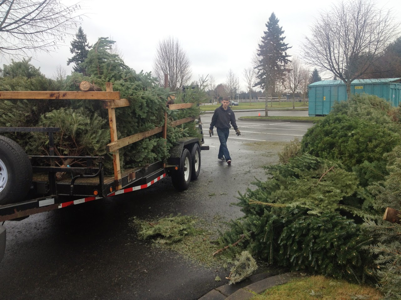 Christmas Tree Pickup 2014 - IMG_3170.jpg