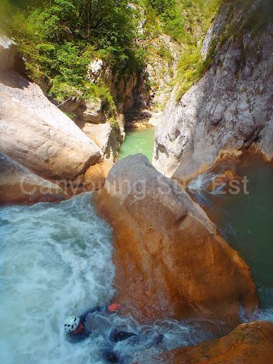 Canyon de Saint Auban par gros débit