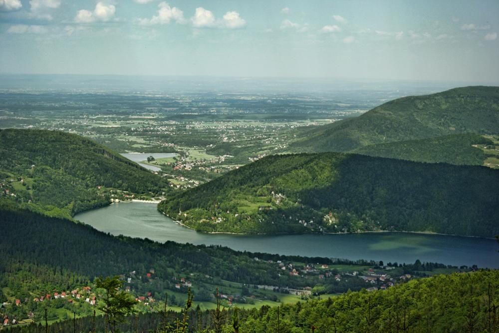 Widok z Czupla na Jezioro Międzybrodzkie i Czaniec