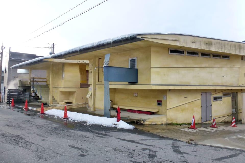 鳴子温泉 早稲田桟敷湯