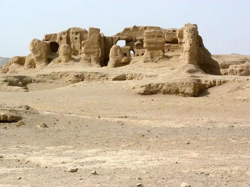 XINJIANG.  Turpan. Ancient city of Jiaohe, Flaming Mountains, Karez, Bezelik Thousand Budda caves - P1270824.JPG