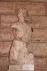 Una delle famose statue parlanti di Roma.