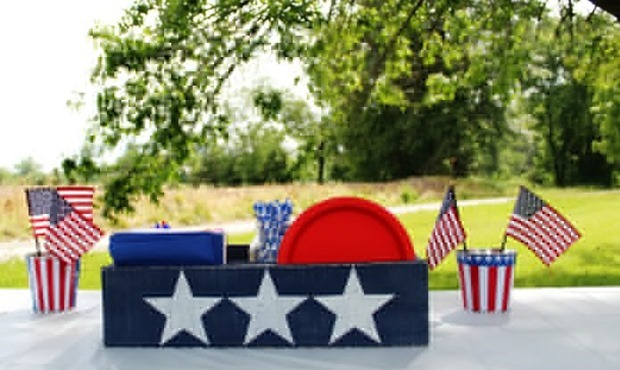 Patriotic-picnic-crate-military-holiday-July-4th-red-white-and-blue-DIY-decor-Knick-of-Time (1)