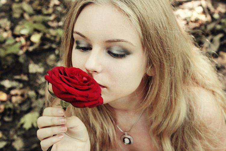 Fondos De Escritorio De Chicas O Jovencitas Bloggergifs