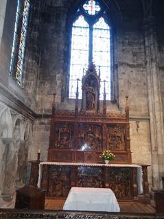 2016.03.27-034 autel à panneaux sculptés dans l'église Notre-Dame