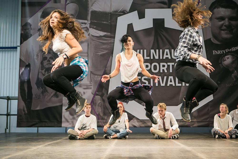 SKILLZ Sporto festivalyje Litexpo - giedre%2Bvalentina%2Bgabriele%2Bjump.jpg