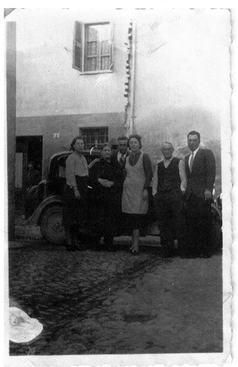 1939 - la cuntra longa - la balilla d nandu fuiac - maddalena sutti nina la fraia, francesca pistarino sutti, francesca sacco, michele sutti, vista dal cortile su via cavalchini