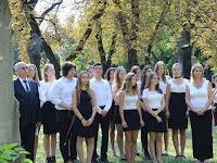 07 A Czuczor Gergely Bencés Gimnázium és Kollégium kórusa a Himnuszt énekelte.JPG