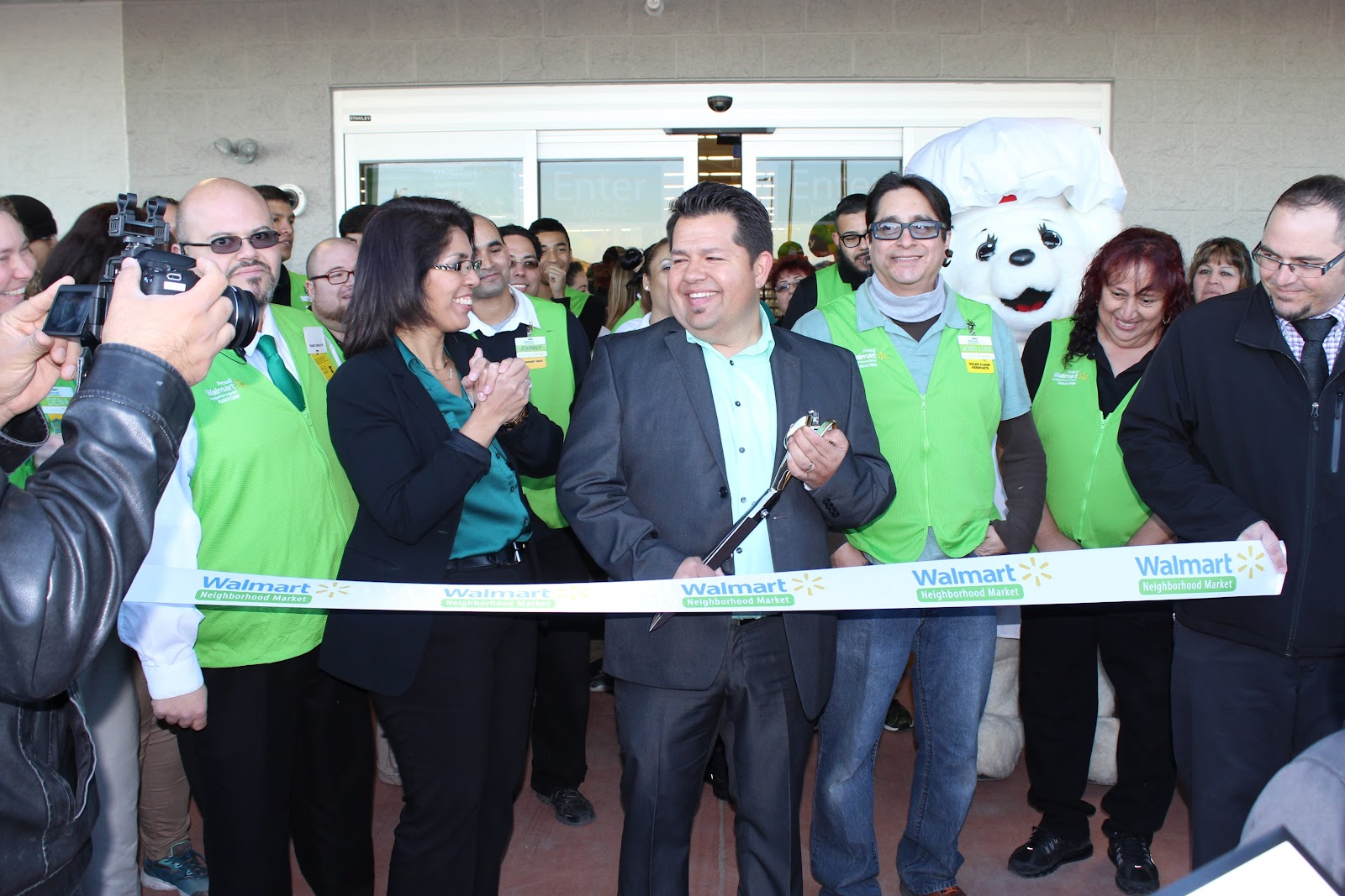 Grand opening ribbon cutting celebration for Walmart Neighborhood Market, located at 2555 E. Commerce Center Place, 85706.