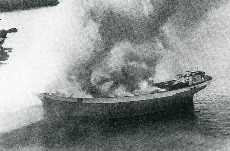 El final del CALA D´ORS. Del libro Los Ultimos Veleros del Mediterraneo. Tomo II.jpg