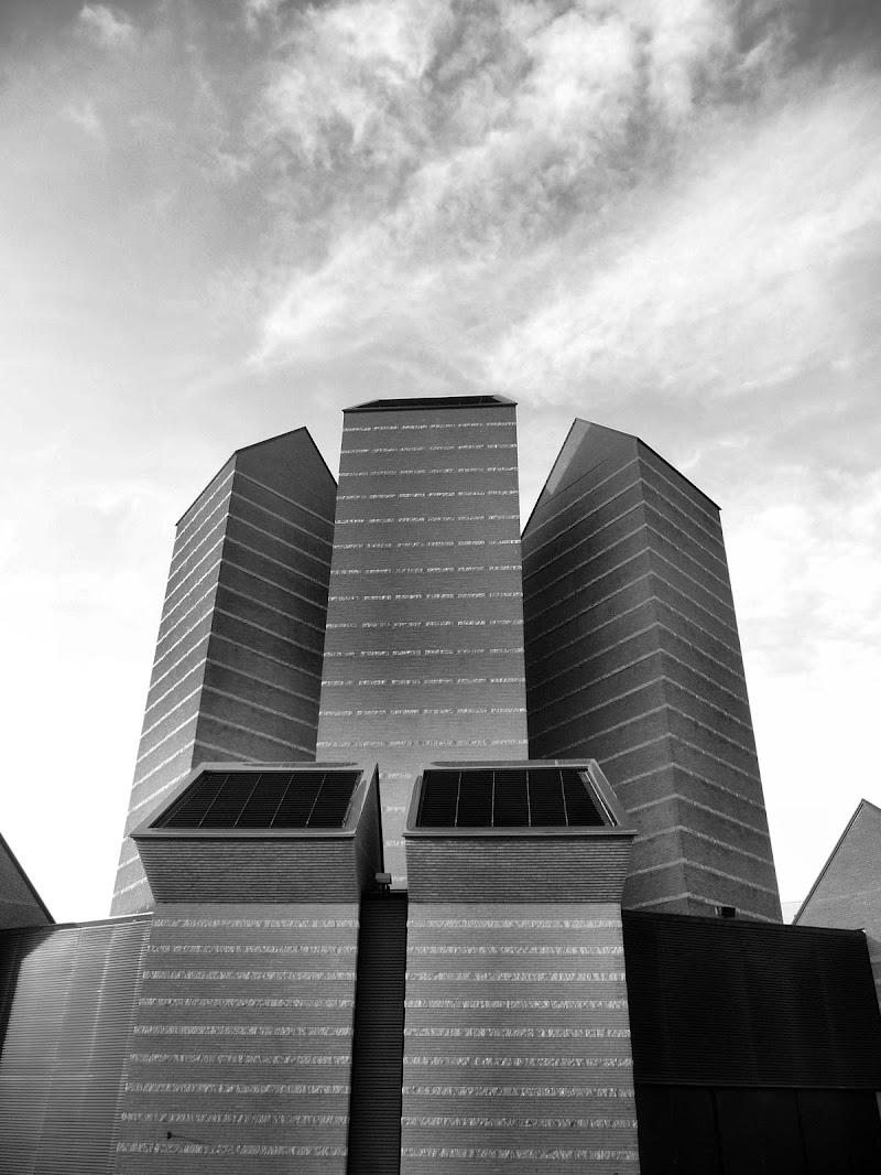chiesa moderna di smpaint