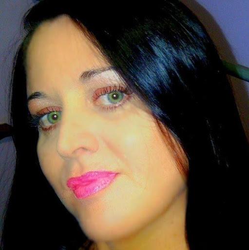 Lara Hamilton Photo 11