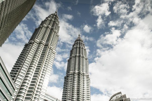 Malaysia - Petronas Towers - Kuala Lumpur-6