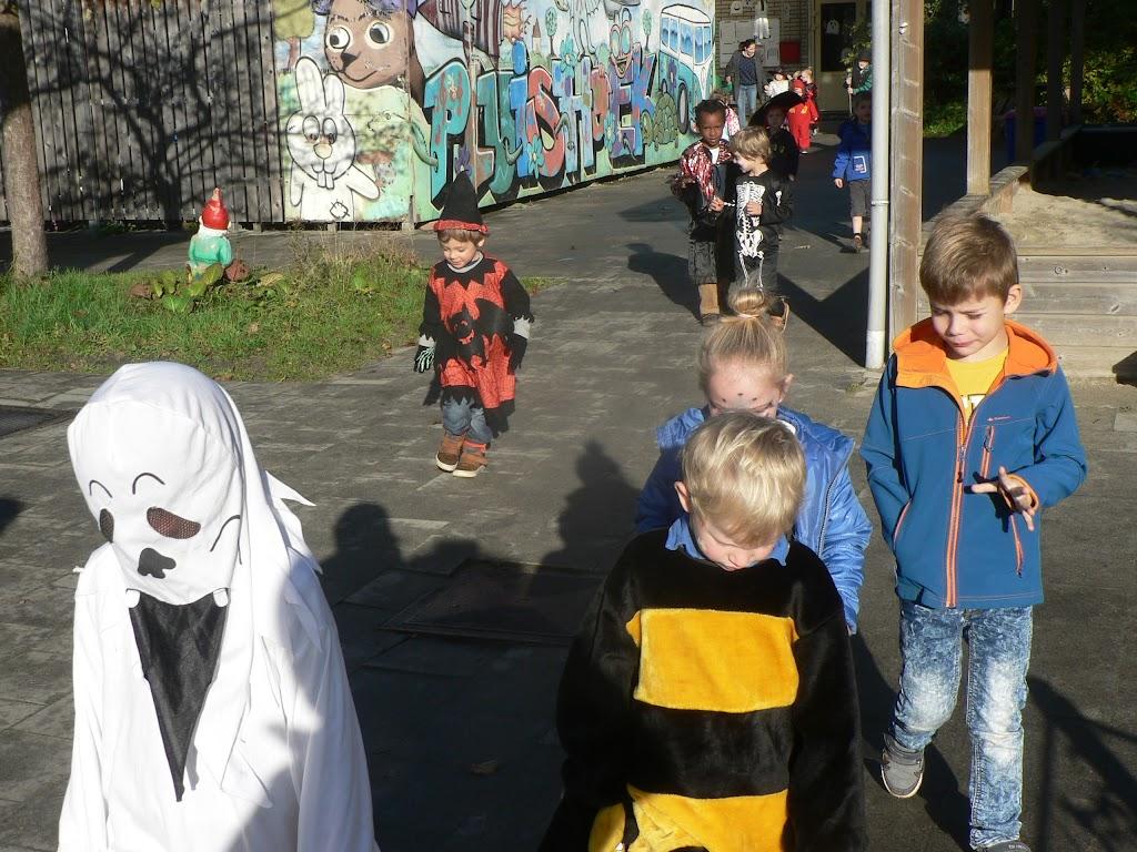 Halloween op de Pluishoek - P1270092.JPG