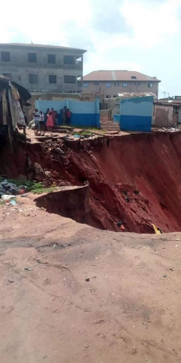 IN ANAMBRA: 10 buildings Schools and Church Collapsed In Onitsha Over Erosion