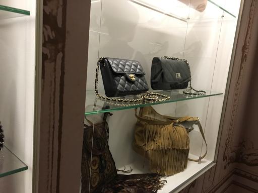 muzeum sztuki- czyli jak współcześni projektanci mody (i nie tylko) wzorują się na latach 80' i 90'