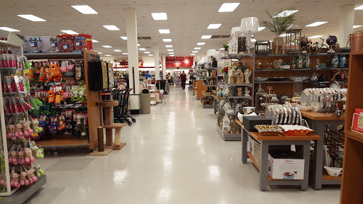 Department Store T J Maxx Homegoods Reviews And Photos