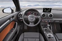 2014_Audi_A3_Sedan_23
