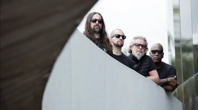 """Sepultura: """"Apes of God"""" já conta com vídeo oficial"""