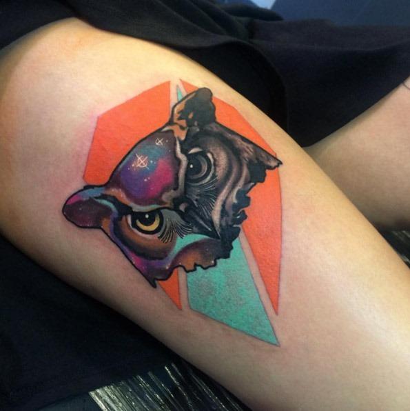 esta_galxia_com_infuso_de_tatuagem_de_coruja