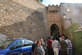 Recorrido por las puertas, bab, de los siglos XI, XII y XIII. A cargo de Josep A. Gisbert, arqueólogo