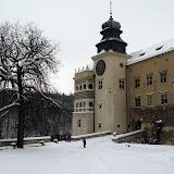 Zamek Pieskowa Skała w zimowej aurze