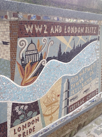 A tourist day in London: having lived in London for almost 6 months now we decided we needed to get to know the city better and what better way to do it than be tourists! We stumbled upon this stunning mosaic showing the history of London up to the recent Jubilee