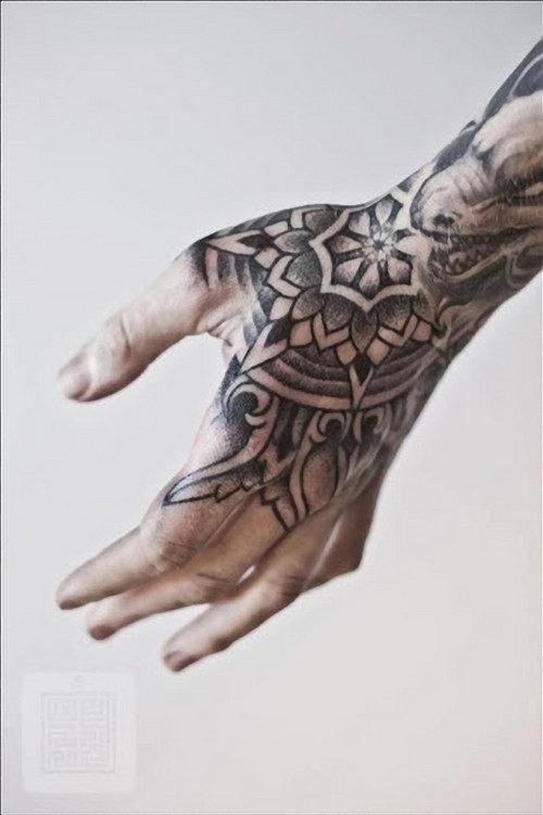 mao_tatuagens_mais_legais_projetos_do_tattoo_19