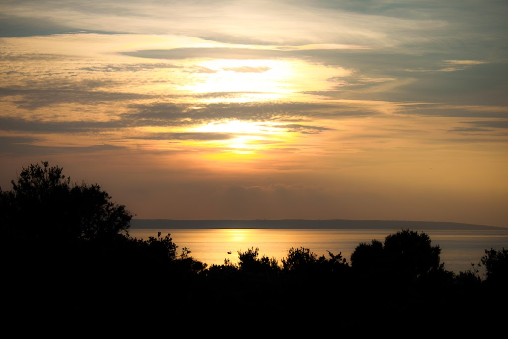 Croatia - Silba, Zadar, sky, cats, windows - Vika-8112.jpg