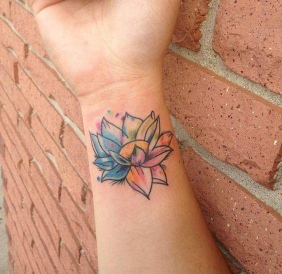 pequeno_lotus_pulso_de_tatuagem