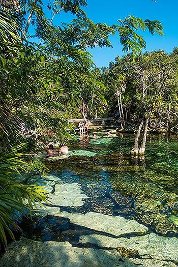 CenoteAzul07.jpg