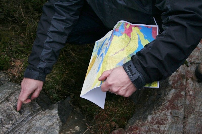 Kallioperägeologian kenttäkurssi, kevät 2012 - Kallioper%25C3%25A4kenttis%2B062.JPG
