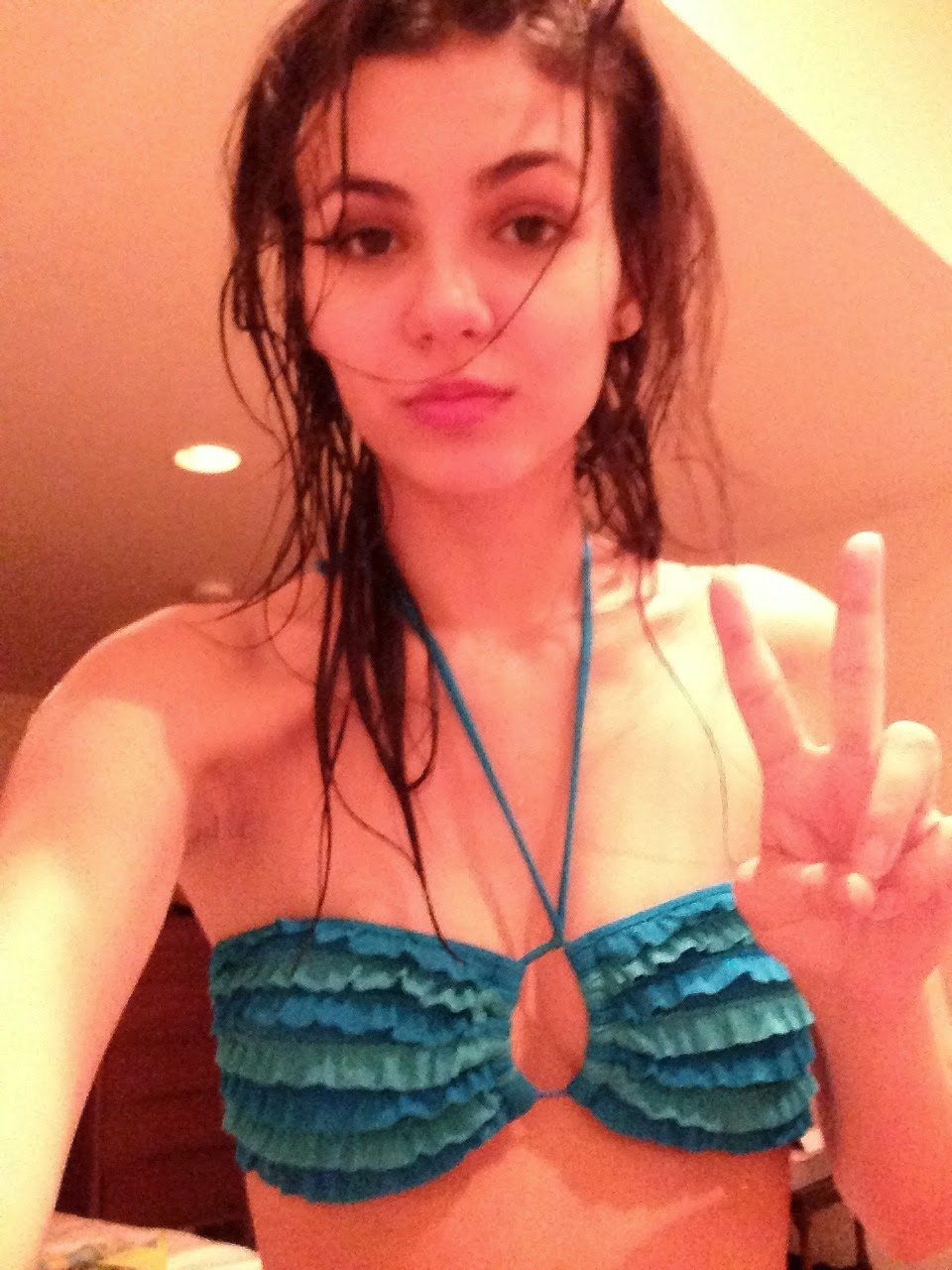 Leaked Victoria Justice nude (85 photos), Tits, Cleavage, Boobs, braless 2019