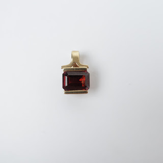 14K Gold & Red Stone Pendant
