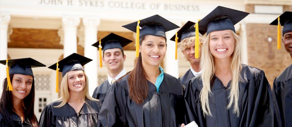 •Индивидуални и групови консултации за европейската и американската образователна система и процеса за кандидатстване  в университетите.