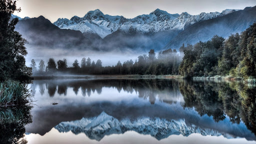 Lake Matheson Reflection, Westland Tai Poutini National Park, New Zealand.jpg