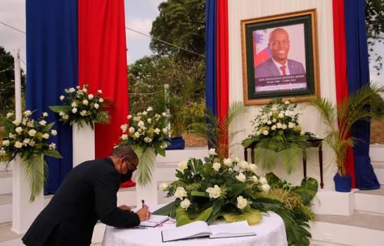 La viuda de Moïse rechaza dinero público para el funeral de Estado
