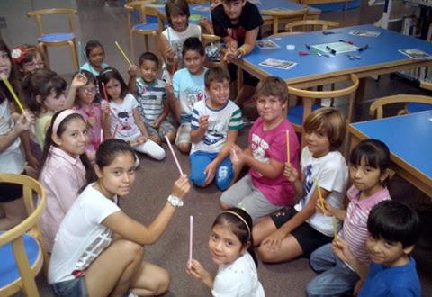 niños varita en taller magia