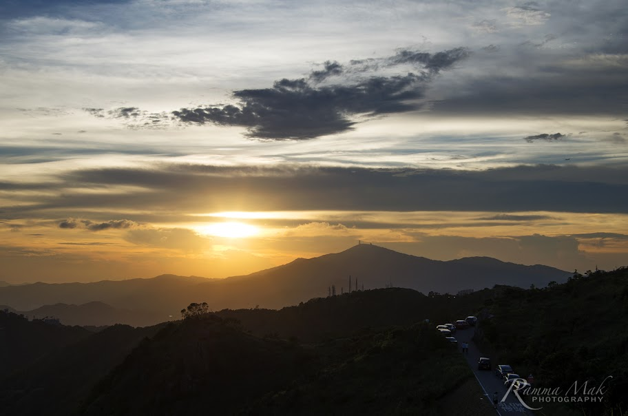 在山丘上看到的日落