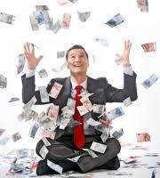 hombre traje billetes dinero